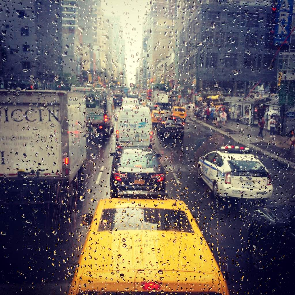 Taxis im New Yorker Regen