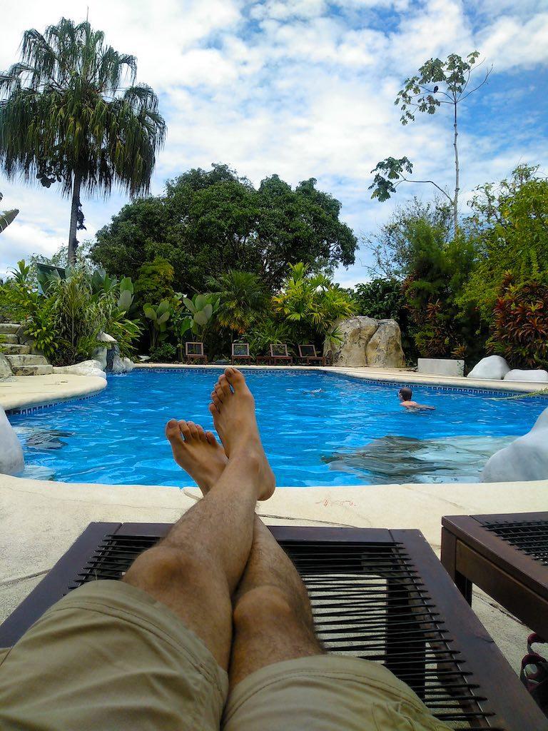 Entspannung am Pool.