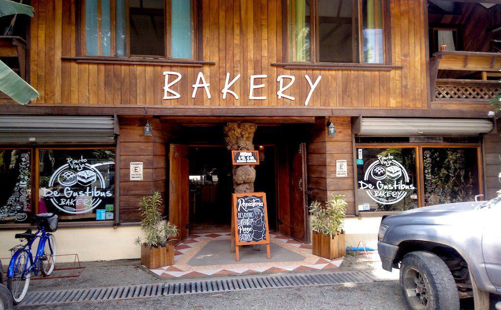 Frühstück in der Bäckerei De Gustibus.