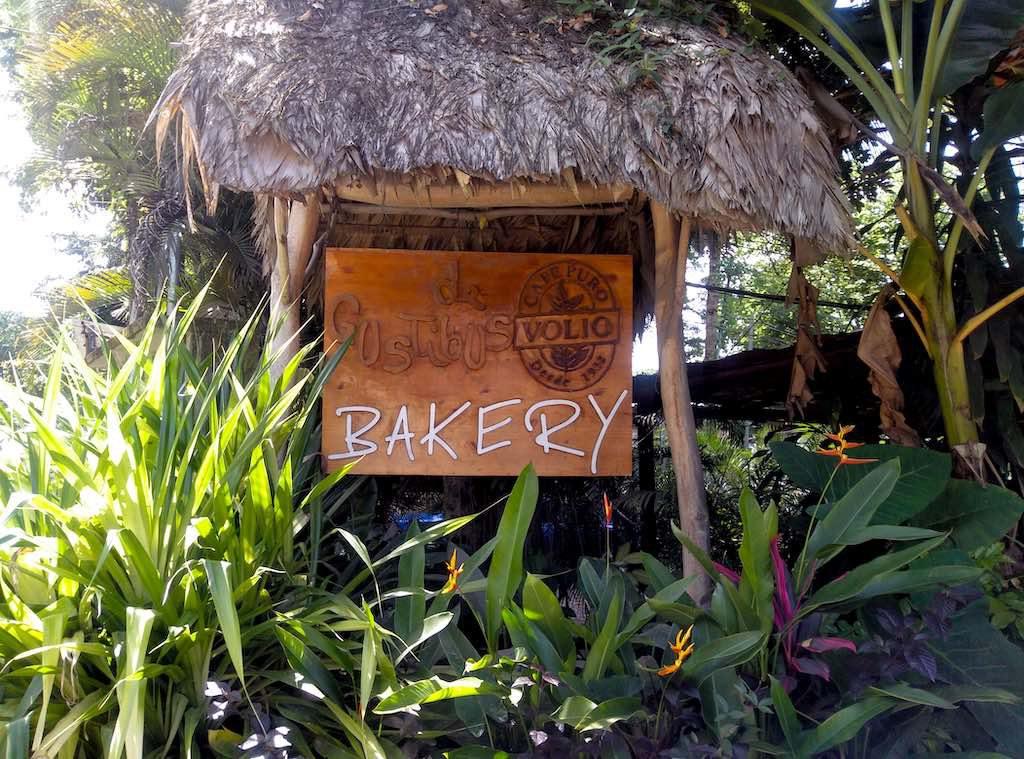 Das Schild der Bäckerei an der Hauptstraße.