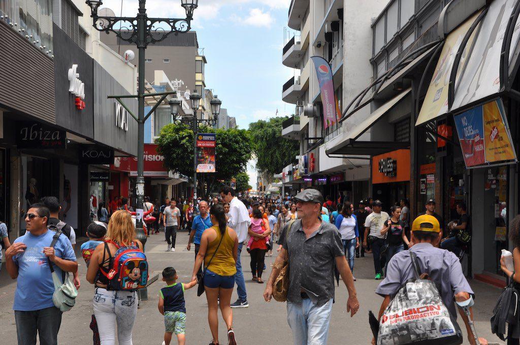 Die Einkaufszone der Avenida Central