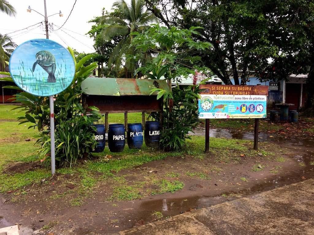 Immerhin: Mülltrennung ist in Tortuguero vorgesehen.