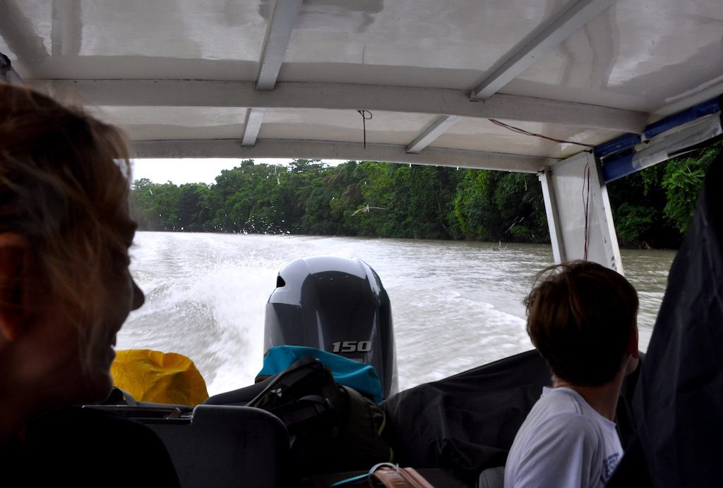 ... und los geht's mit dem Touristen-Shuttle/Wassertaxi