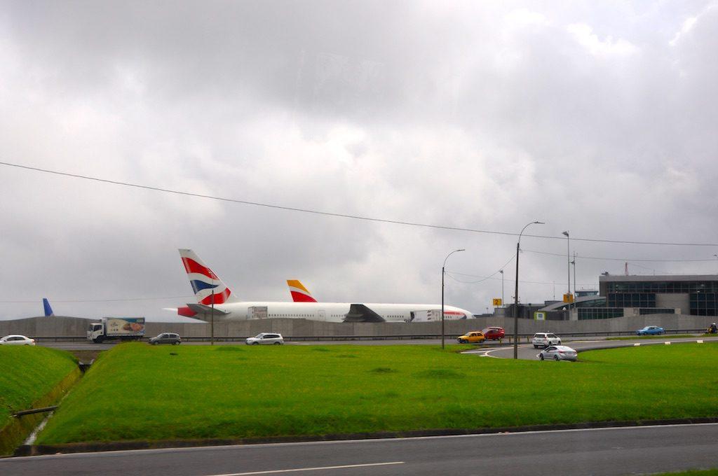 Anfahrt zum Flughafen San José.