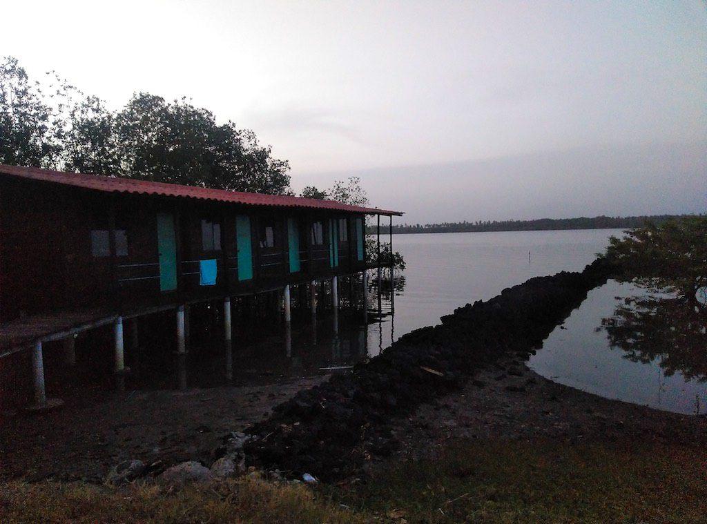 Unser Domizil für die Nacht: Der Pfahlbau direkt an der Bahía de Jiquilisco.
