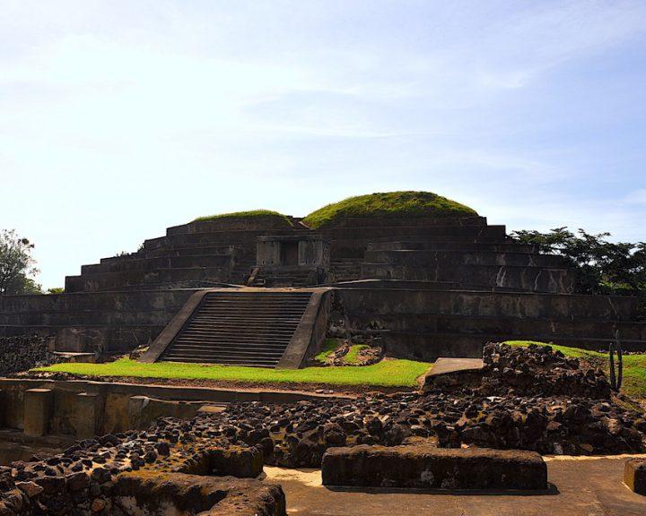 Große Pyramide von Tazumal, El Salvador